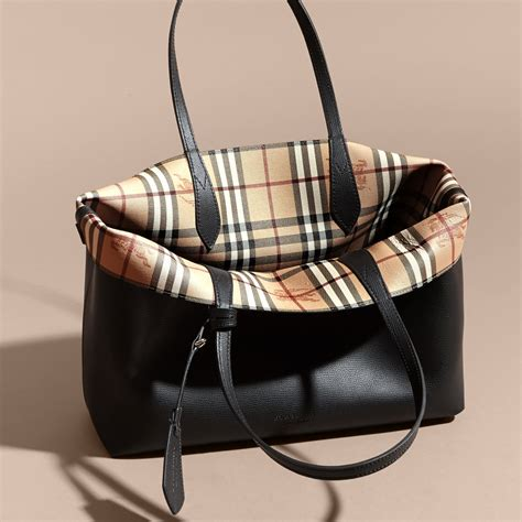 Tas Burberry Ribbon Set 2 In 1 Gold Series Jj 4725 1 the medium reversible tote in haymarket check and leather in black burberry united states