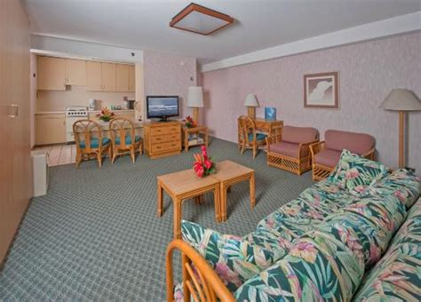honolulu 2 bedroom hotel suite two bedroom suite picture of ilima hotel honolulu
