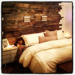 pallet board headboard for the home