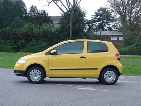 volkswagen fox 2006 volkswagen fox hatchback 2006 2012 photos parkers