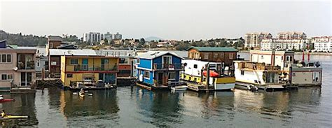 crazy house boats think you could live on a houseboat budgets are sexy