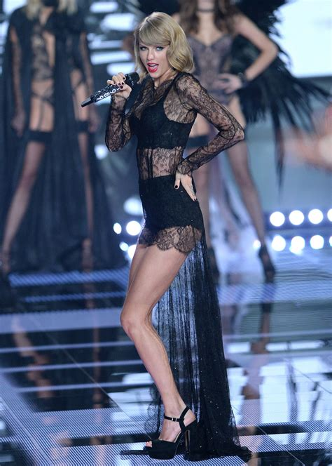 taylor swift style live victoria s secret taylor swift victoria s secret fashion show 2014 taylor
