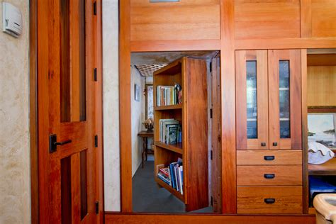 secret rooms bookshelf door