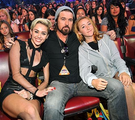 noah cyrus 14 wears short shorts extreme hair miley and noah cyrus 2014 www pixshark com images