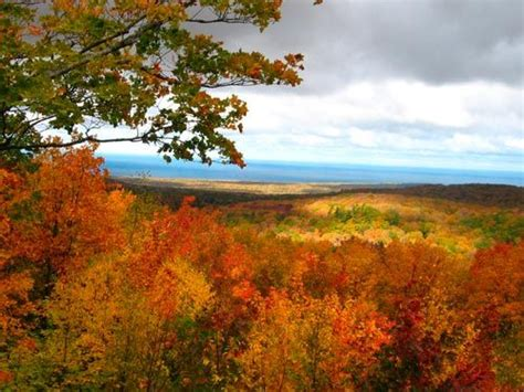 fall color report porcupine mountains in michigan in blazing fall color