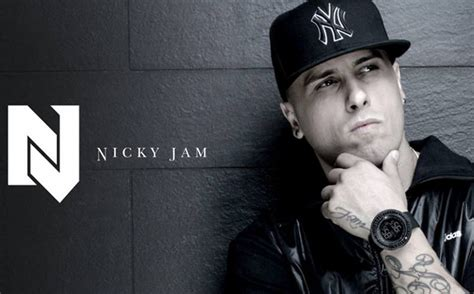 imagenes de nike yan nicky jam recibe disco de platino en espa 241 a