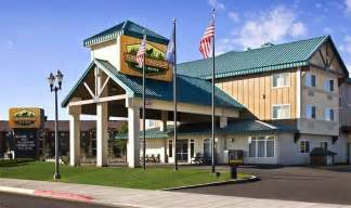 Book Gray Wolf Inn Suites West Yellowstone Montana
