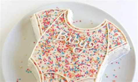 how to make a baby shower cake 34 diy baby shower cakes