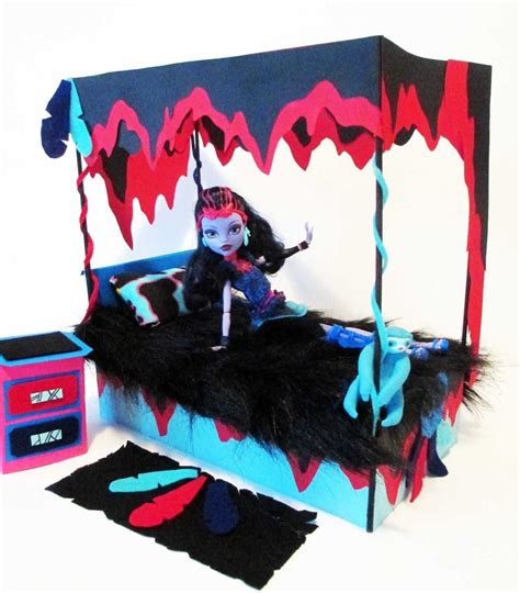 how to make monster high beds how to make a jane boolittle doll bed tutorial monster high youtube