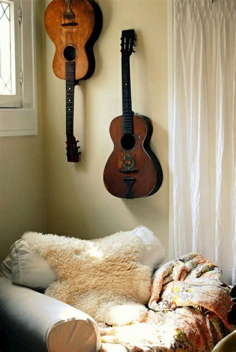 Beste Schlafdecke die akustik gitarre als teil des interieurs archzine net