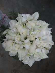 white wedding flowers stadium flowers