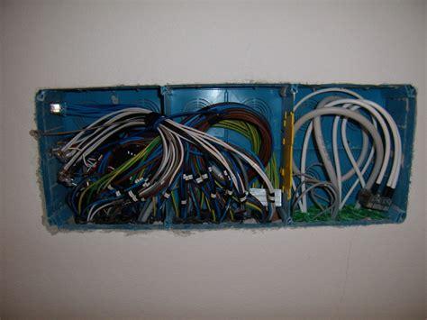 cassetta elettrica scatola derivazione antenna montare motore elettrico