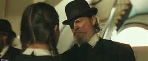 cowboy film jeff bridges true grit jeff bridges gets thumbs up in the remake of