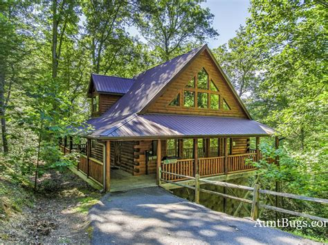 smoky mountain cabin family friendly  pigeon forge