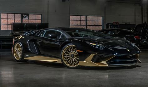 Lamborghini Beverly Hills' Last Aventador SV Coupe is Pure