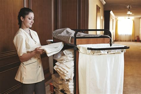 In Home Housekeeper by Your Guide On How Much To Tip In Las Vegas Las Vegas