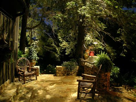 Ny Landscape Lighting Led Landscape Outdoor Lighting Installers Service Contractors Rochester Ny Acorn Ponds