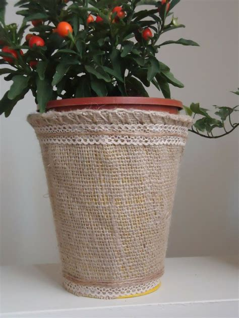 decorar jarrones con yute arpillera opciones para usarla como decoraci 243 n en casa