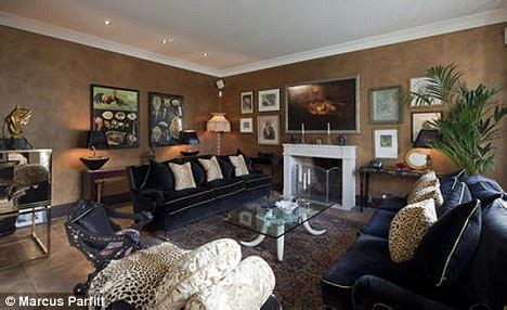 celebrity news kate moss the interior designer inside the home kate moss can t sell what s putting