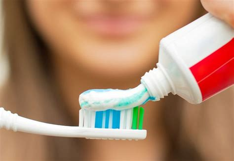 how to your properly a guide on how to brush your teeth properly shemazing