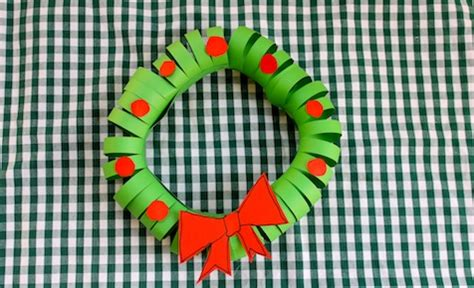 construction paper christmas crafts easy construction paper wreath craft activities
