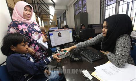 persyaratan membuat paspor baru di bandung antrian membuat paspor di kantor imigrasi bandung foto 1