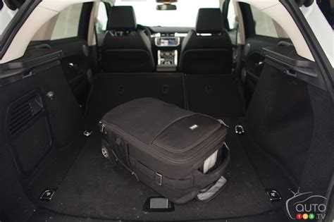 range rover evoque back seat space 2013 land rover range rover evoque picture on auto123 tv
