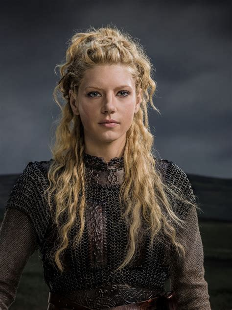vikings hbo beaided hair katheryn winnick adds all kinds of flair and variations to