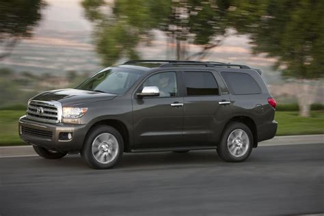 What Does Toyota 2012 Toyota Sequoia Image 15