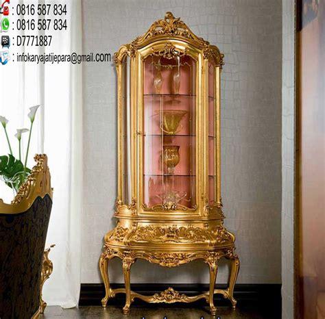 Lemari Hias Palembang lemari hias klasik ini dibuat dari bahan kayu mahony dan