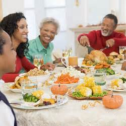 family at thanksgiving thanksgiving family dinner images amp pictures becuo