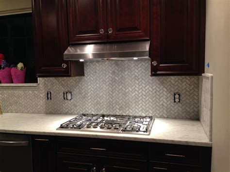 backsplash ideas for cabinets and light countertops