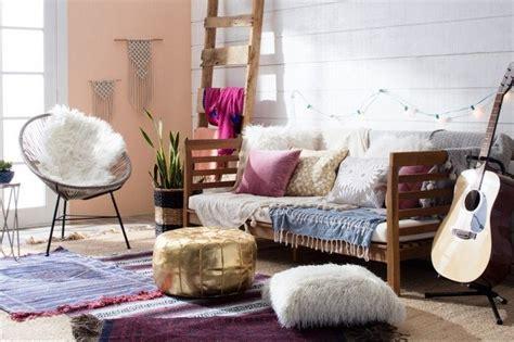 Bantal Sofa Mandala 1 13 interior ruang keluarga impian semua keluarga baru