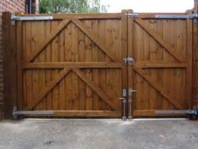 driveway gate 30 40 split for a side yard access would