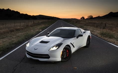 2014 chevrolet corvette stingray white 4 1680x1050