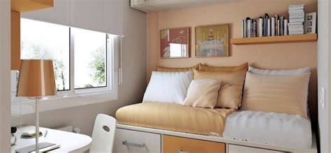 Bedroom Interior Design Ideas Small Spaces 10 Tips On Small Bedroom Interior Design Homesthetics