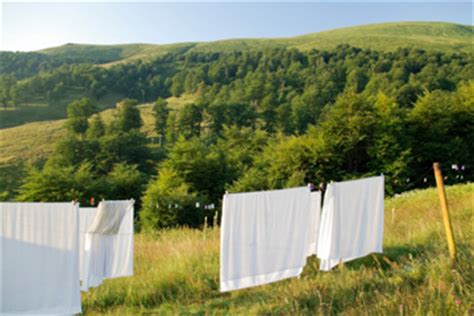 how to wash bedding tips for washing bed sheets how to clean bed sheets and comforters howstuffworks