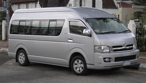 toyota hiace truck people mover comparison nissan caravan vs toyota hiace
