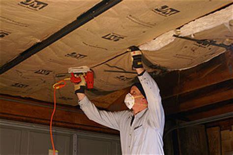 how to install kraft faced fiberglass insulation in a
