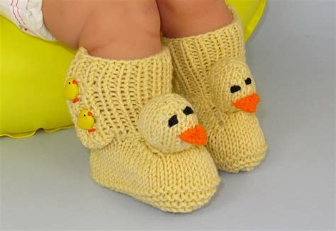 free knitting patterns for baby slippers baby shoe knitting patterns
