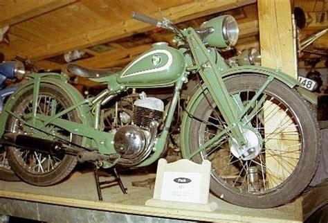 Motorrad Bremsflüssigkeitsbehälter öffnen by Motorradmuseum Kollnburg Bayerischer Wald