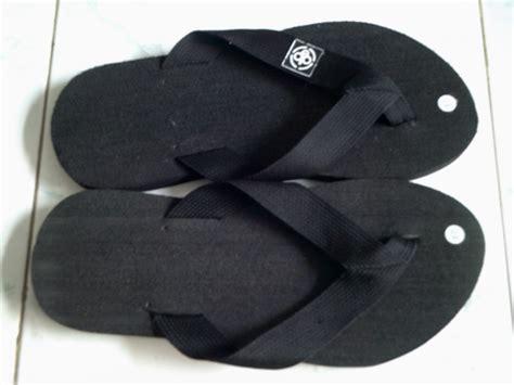 Aneka Sepatu Sendal Ber Merk grosir sandal oakley murah louisiana brigade