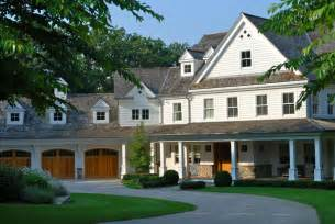houses with big garages garage position at a wider angle than perpendicular with