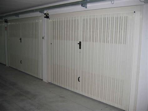 porta basculante porta basculante in lamiera automatica fedi automatismi