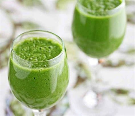 Snyder Detox Green Smoothie by The Glowing Green Smoothie From The Detox Solution