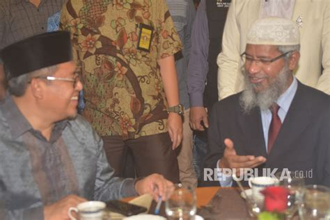 Dokter Aborsi Jawa Barat Gubernur Aher Semoga Kunjungan Zakir Naik Perkuat Iman
