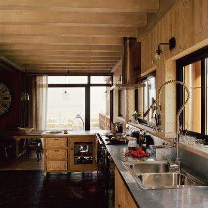 Möbel Industrial Style 630 by Une Cuisine En Bois Pour Une Ambiance Chalet De Montagne