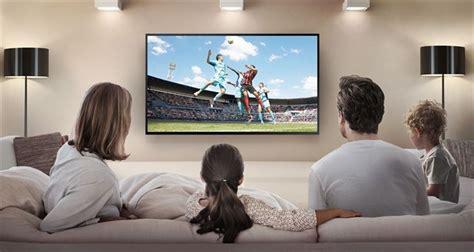 imagenes graciosas viendo television la televisi 243 n no monopoliza a los j 243 venes la mitad