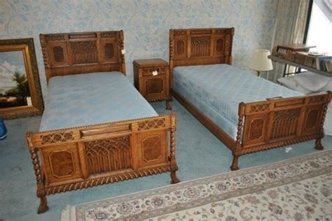 1930s bedroom set 1930s romweber eight 8 piece oak twin bedroom set