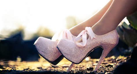 Sepatu Converse Hak Tinggi sepatu hak tinggi